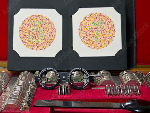 Fotografía  optometry lens, eyeglasses and color blind test