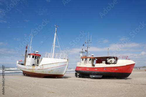 Worn boats Canvas-taulu