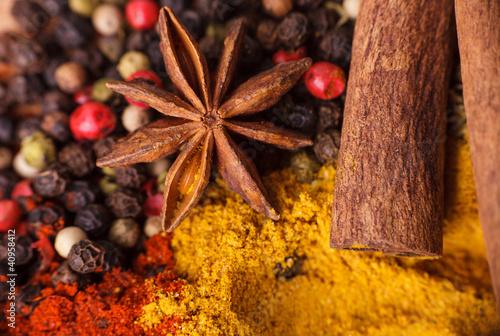 Papiers peints Herbe, epice Closeup of spices composition, anise, cinnamon, paprica, curry,