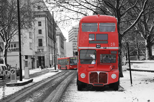 Foto op Plexiglas Rood, zwart, wit London Route Master Bus