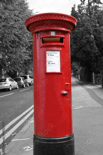 Poster Rouge, noir, blanc Red Post Box