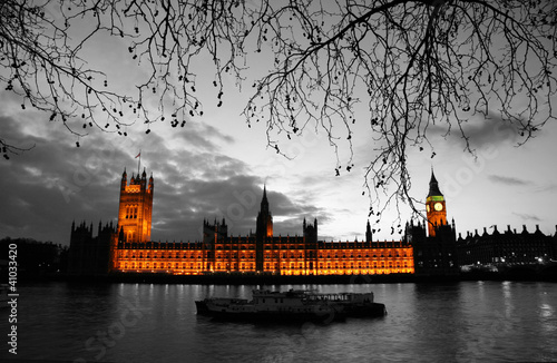 Poster Red, black, white Westminster at dusk