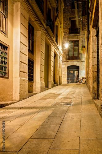 Obrazy Barcelona  nocny-pas-w-dzielnicy-gotyckiej-barcelona-hiszpania