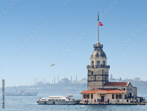Photo  Maiden's Tower in Istanbul, Turkey