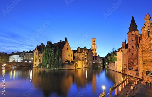 In de dag Brugge Rozenhoedkaai in Brügge Westflandern Belgien