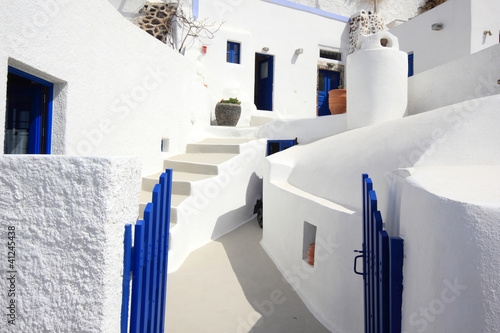 Fototapety, obrazy: The streets of Santorini