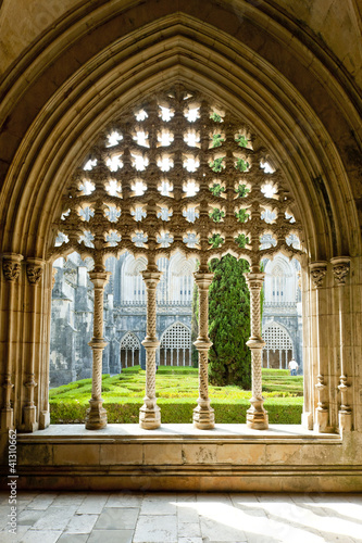 Royal cloister of Santa Maria da Vitoria Monastery, Batalha, Est Fotobehang