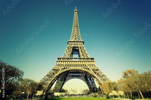 Photo  cross processing Eiffel Tower