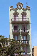 Fototapeta na wymiar Jugendstil Haus iim Stadtteil Gràcia in Barcelona