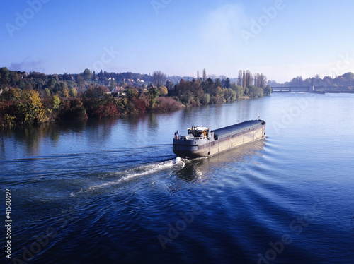 barge river Fototapeta