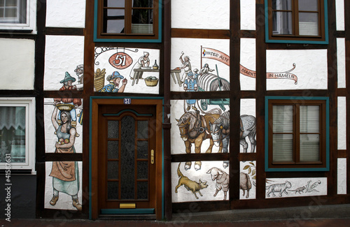 Spoed Foto op Canvas Graffiti collage Bemalte Hausfassade in Hameln