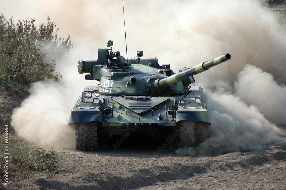 Fototapeta Война. Танк в движении