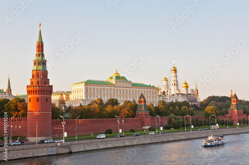 Fotobehang Moskou Russia, Moscow, type to Moscow Kremlin and the river