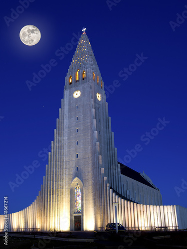 Fototapeta  Hallgrimskirkja in Reykjavik
