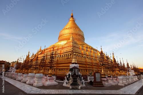 Fotografie, Obraz  Shwezigon pagoda in Bagan, Myanmar, sunlit at sunset