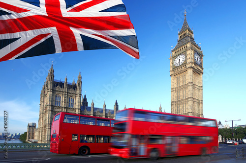Spoed Foto op Canvas Londen Big Ben with city bus and flag of England, London