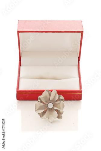 Fotografia, Obraz  Beautiful Silver Ring with Pearl Center