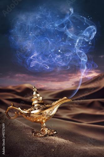 Fotografie, Obraz  Genie lampa Magic Aladinova na poušti