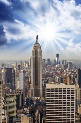 Photo  Manhattan Skyline with Empire State and Tall Skyscrapers