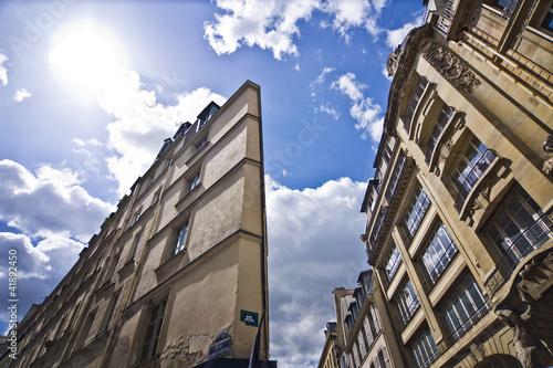 Immeuble triangulaire rue d'Argenteuil - Paris Wallpaper Mural