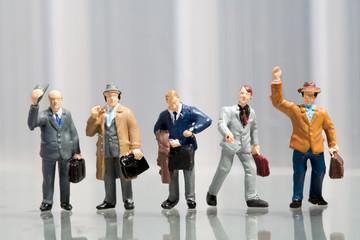 Reihe von Büroarbeitern.