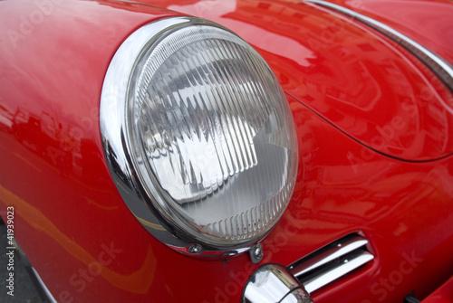 reflektor-rocznika-samochodu