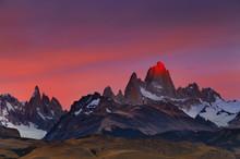 Mount Fitz Roy At Sunrise, Pat...