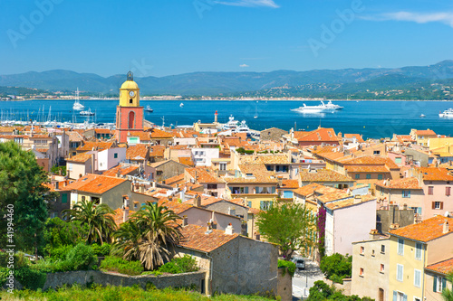Valokuva view of Saint-Tropez with sea and blue sky