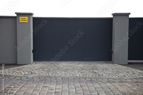 Einfahrt Mit Zaun Tor Buy This Stock Photo And Explore Similar