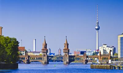 Fototapeta panorama with oberbaumbruecke in berlin