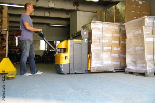 transport logistique - magasinier