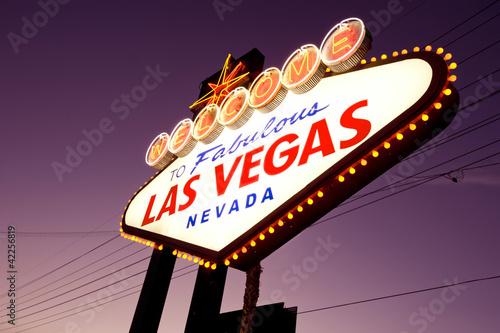 Staande foto Las Vegas welcome to Fabulous Las Vegas Sign at night