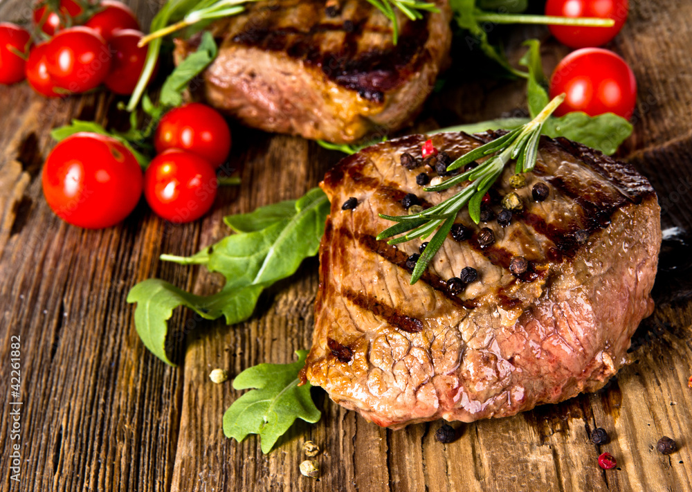 Fototapety, obrazy: Grilled beef steak
