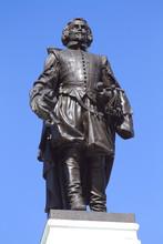 Statue Of Samuel De Champlain ...