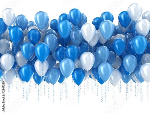 niebieskie-balony-na-bialym-tle