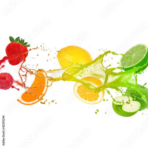 kolorowy-plusniecie-z-owoc-odizolowywajaca-na-bielu