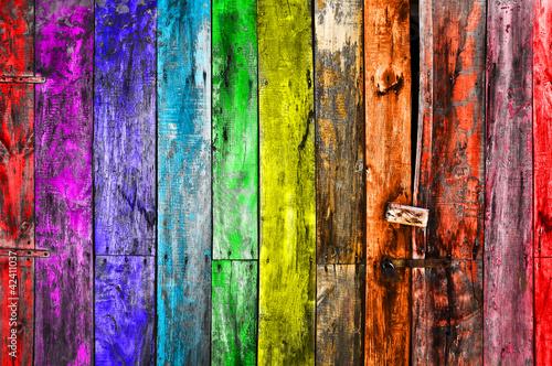 Fototapeta na wymiar Kolorowe deski malowane farbą