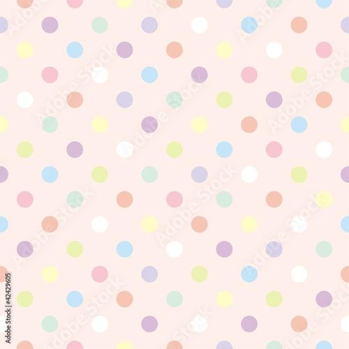 kolorowe-kropki-na-rozowym-tle