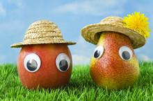 Apfel Und Birne Mit Gesicht Un...