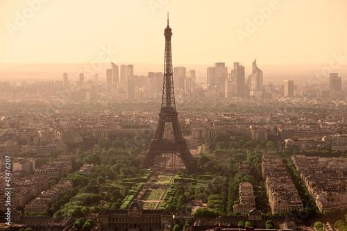 Tour Eiffel et vue de Paris depuis la tour montparnasse - France