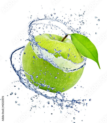 Poster Splashing water Green apple with water splash, isolated on white background