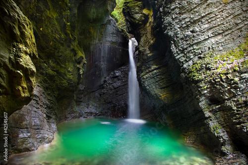 Foto op Canvas Watervallen Wasserfall