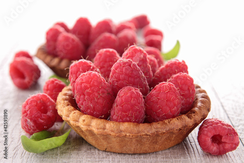Obraz na płótnie raspberry fruit tart