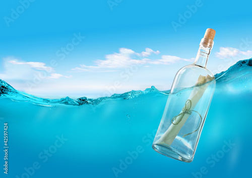 Fotografia  Bottle with a message