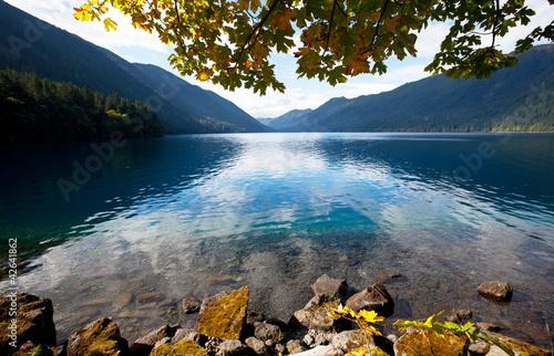 Kolekcje specjalne naklejek jezioro-jesienia