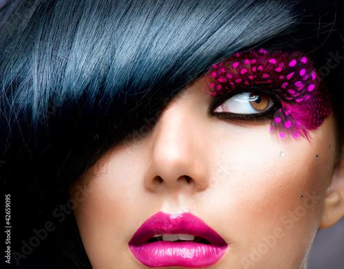 moda-model-brunetka-portret-hairsty