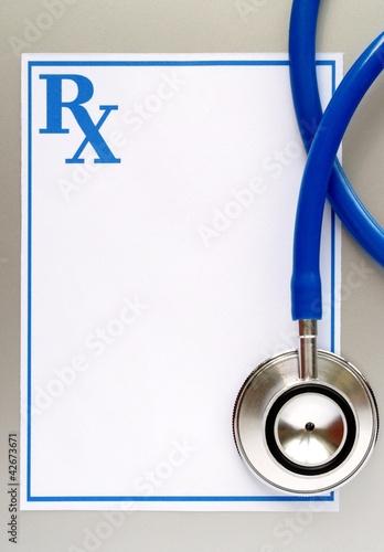 Fotografia  stethoscope and a prescription form