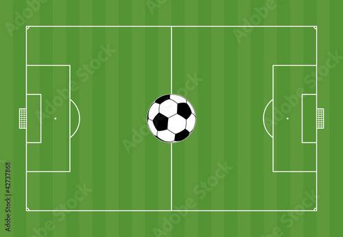 Fussballfeld mit Fußball