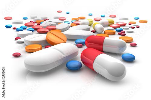 Fotografia  Tabletten auf weißem Untergrund