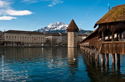 Photographie  Pont de la Chapelle en bois de Lucerne